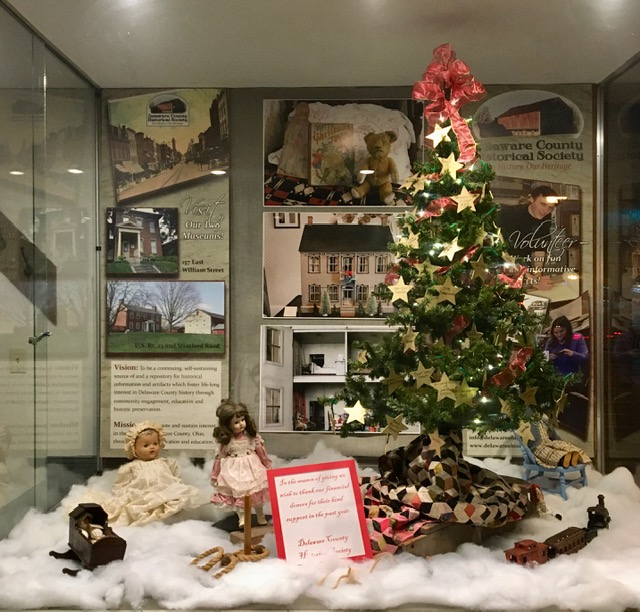 The Giving Tree - Christmas 2019 - Hair Studio Window - Delaware County Historical Society - Delaware Ohio