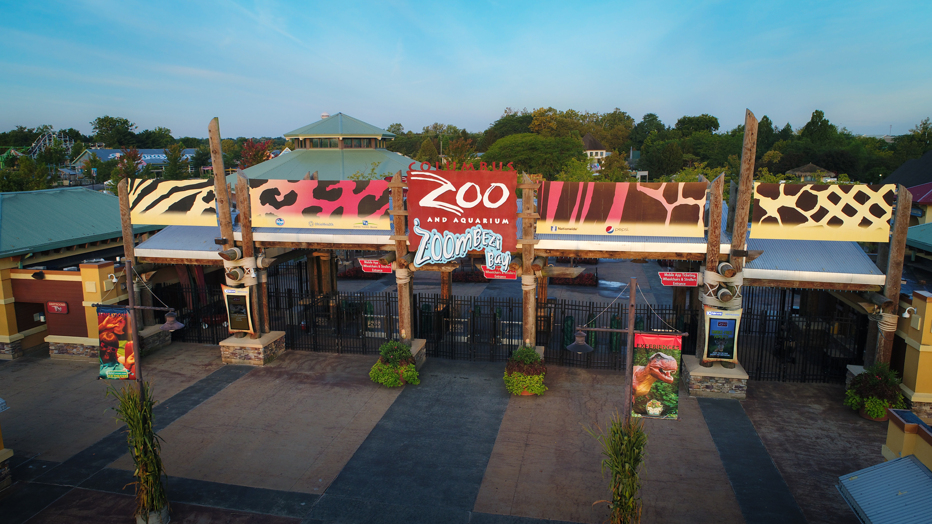 Entrance to Columbus Zoo and Aquarium and Zoombezi Bay adventure park