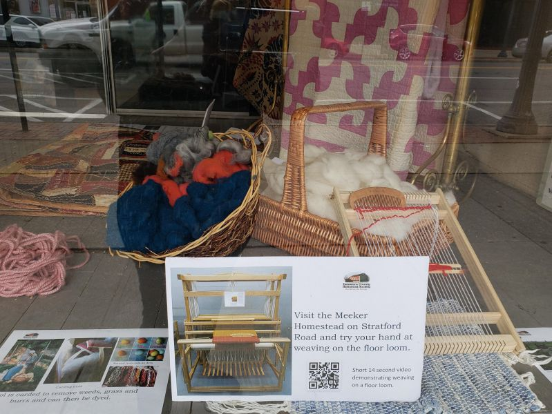 Connecting Threads - Hair Studio Window - Threads and Loom Info