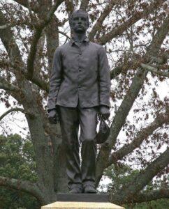 AAM Civil War Kepi statue